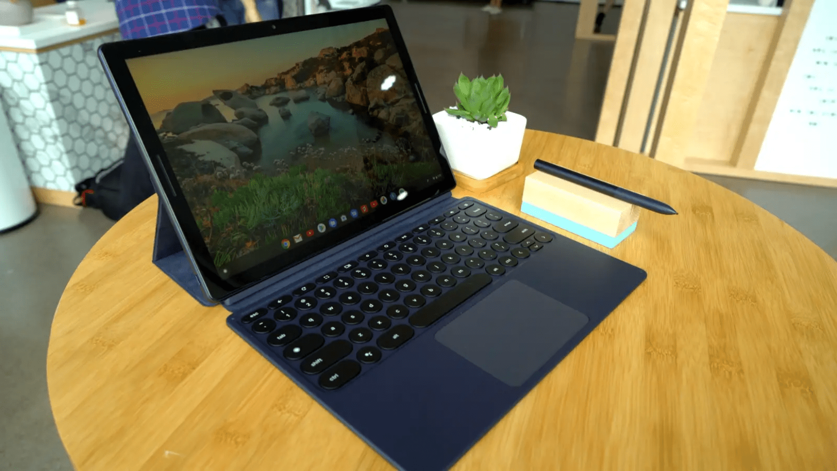 Hands-On With The Pixel Slate: Google's First Chrome OS Tablet