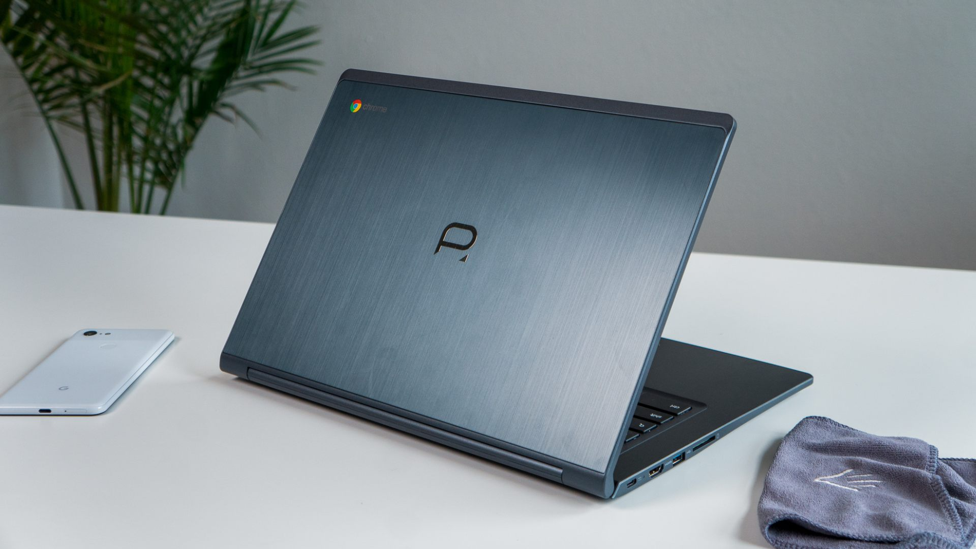 Poin2 Chromebook 14 Review: Best Sub-$300 Chromebook With A Catch