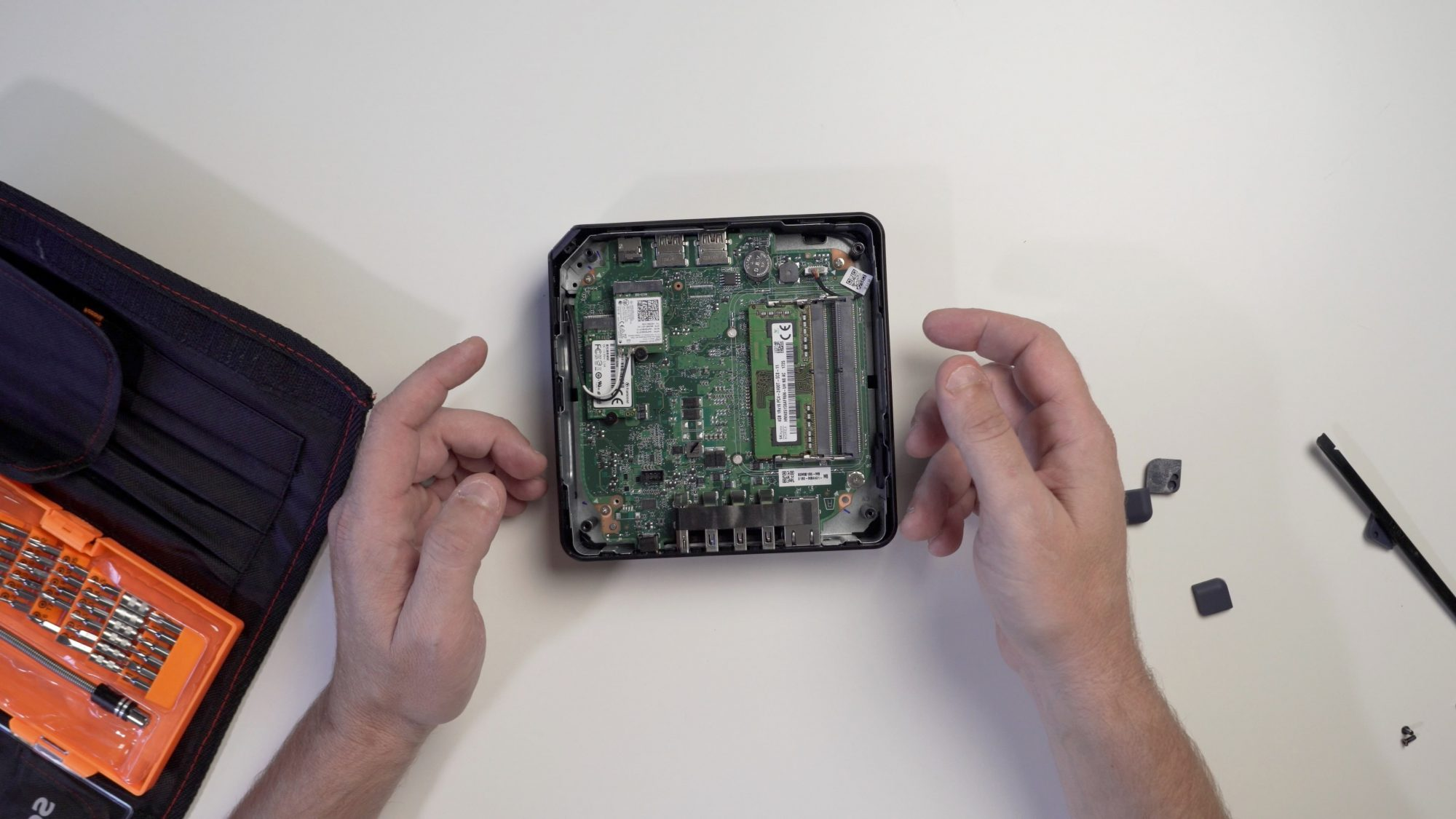 ASUS Chromebox 3: Cheap and easy RAM upgrade [VIDEO]
