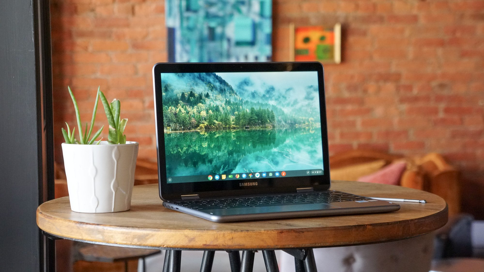 Samsung Chromebook Plus V2 after 10 months: is it still worth it?