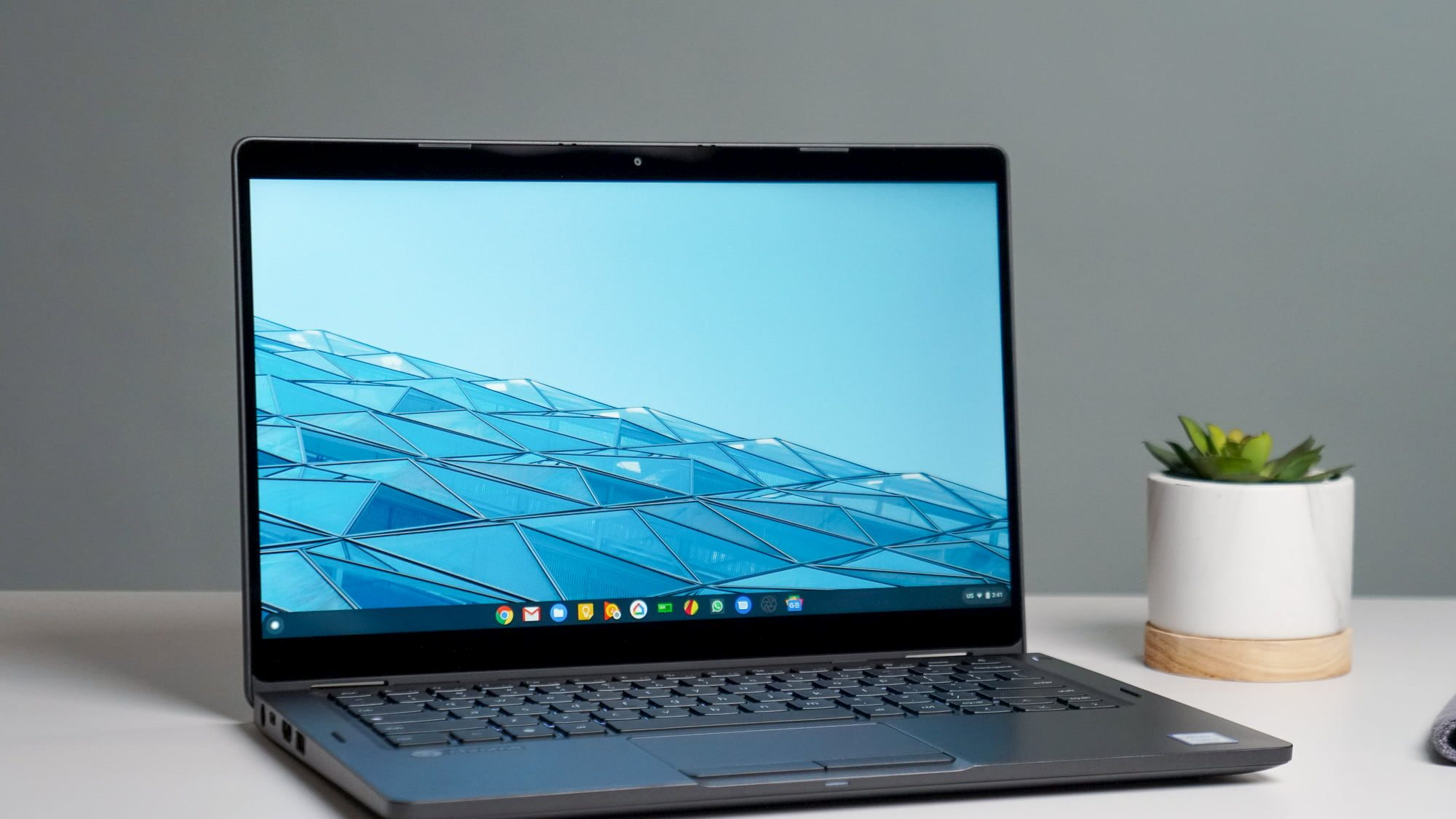 Dell Latitude Chromebook Enterprise 5300 unboxing and first impressions [VIDEO]