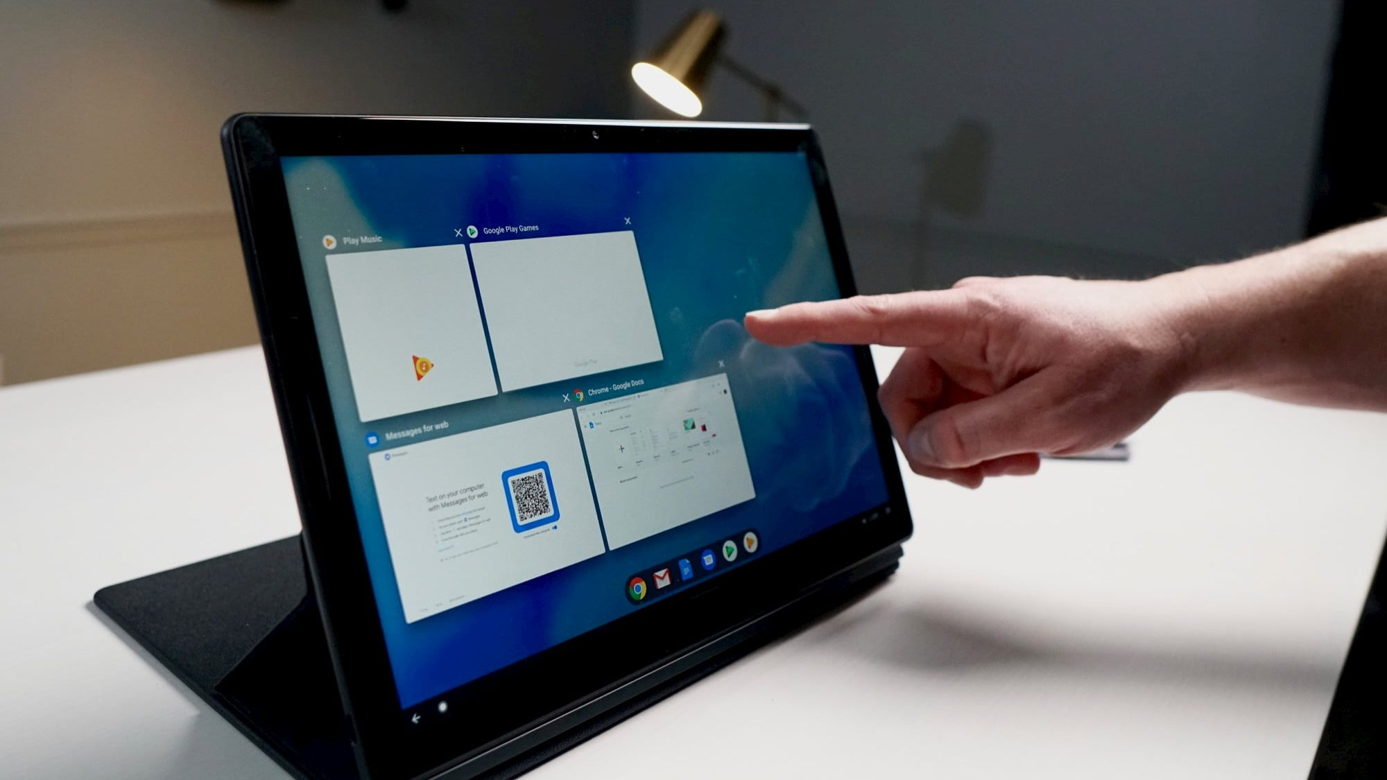 This handy trick helps you multitask better on a Chromebook in tablet mode