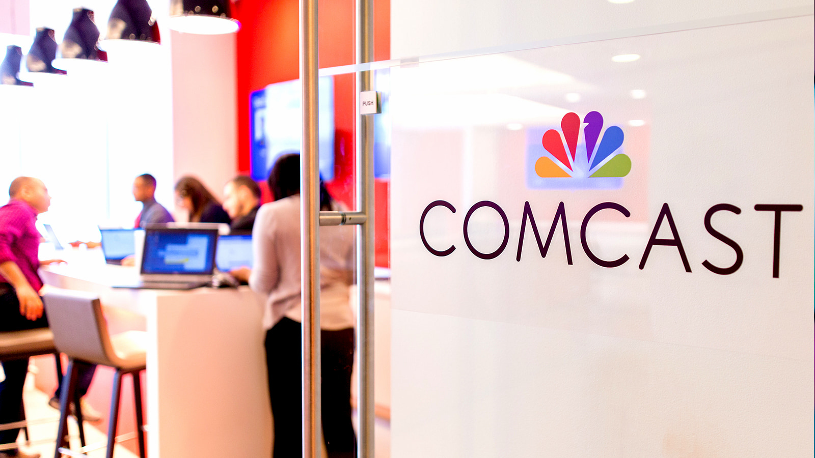Comcast offers two months of free Internet Essentials for eligible families, opens Wifi hotspots to all