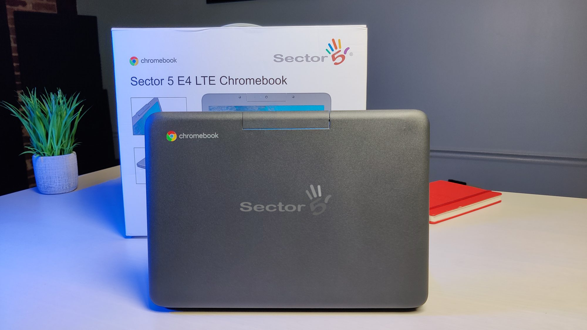 EXCLUSIVE: First look at the Sector 5 LTE Chromebook E4