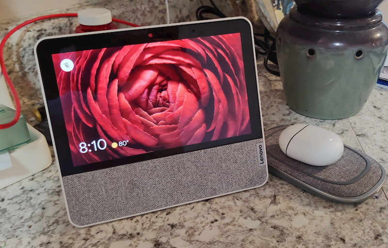 Deal of the Day: $30 of the 7″ Lenovo Smart Display with Google Assistant