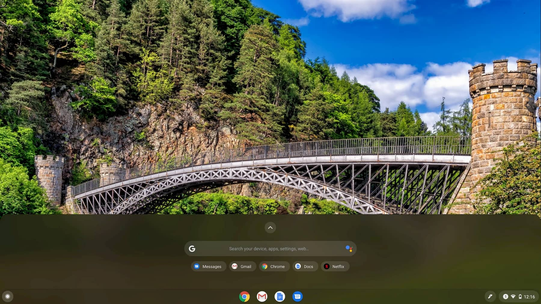 The standard Chromebook theme is getting darker in preparation for light theme